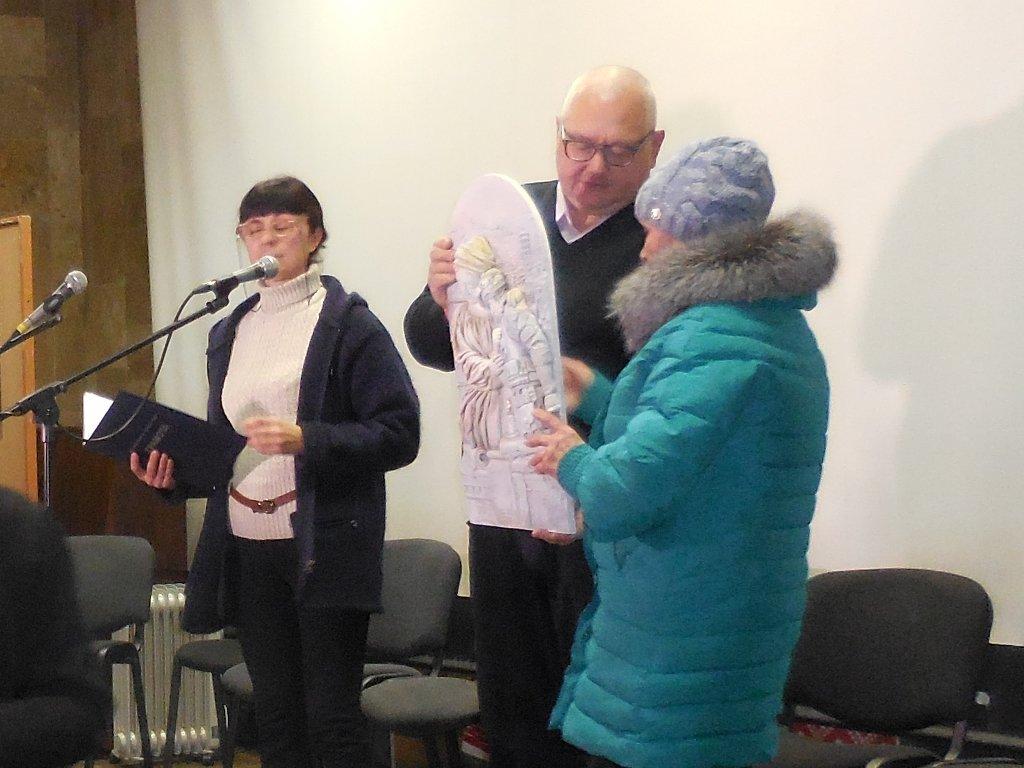 Семьям погибших в АТО каменчан вручили барельеф «Икона памяти», фото-1