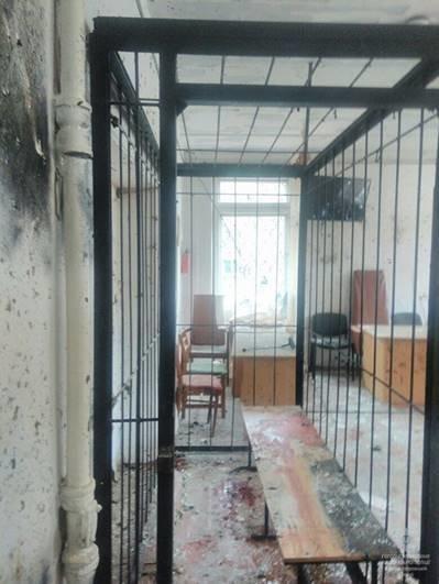На Днепропетровщине взорвали суд, фото-1