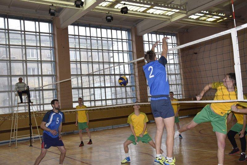 Волейболисты Каменского сыграли на турнире памяти Станислава Лясоты, фото-1