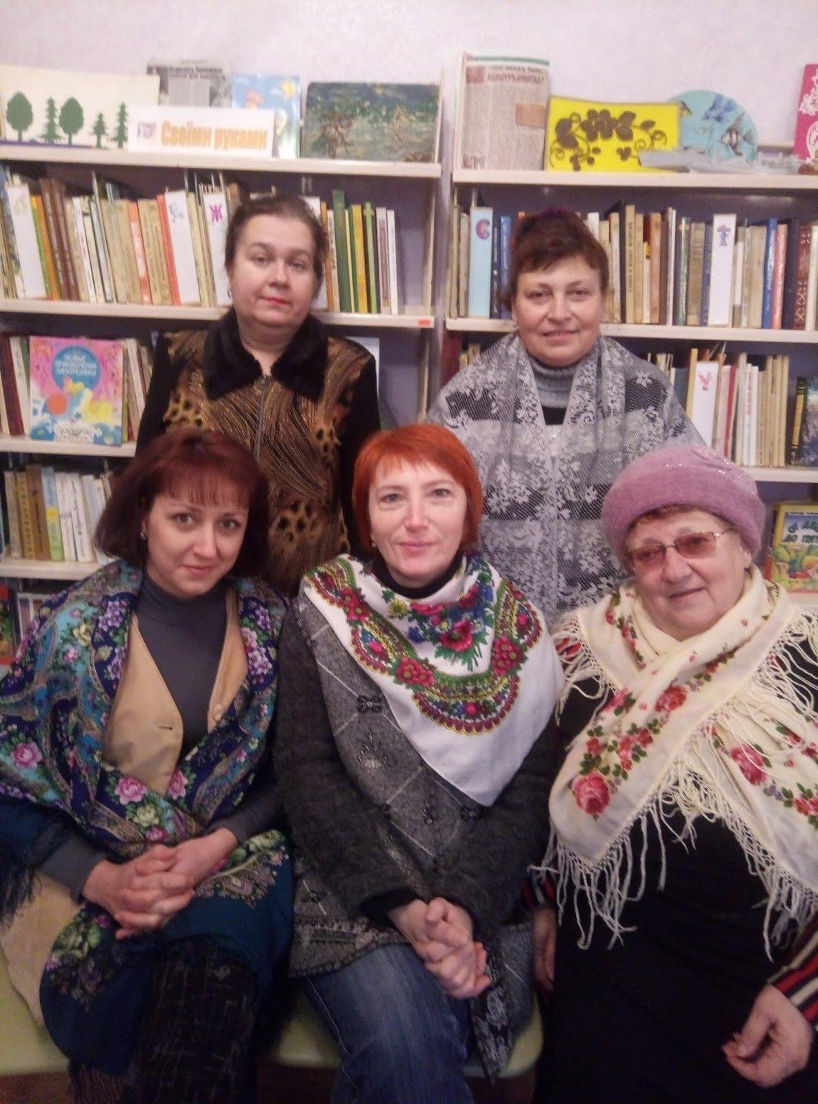 В Каменской библиотеке рассказали о мистических платках, фото-1