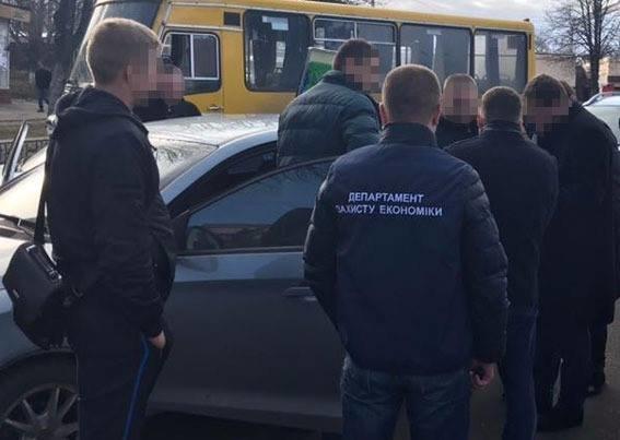 В Каменском задержали на взятке чиновника Госгеокадастра, фото-2