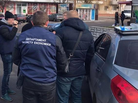 В Каменском задержали на взятке чиновника Госгеокадастра, фото-4