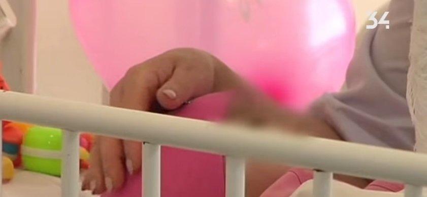 Спохватились: мать покалеченной девочки из Каменского разыскивает полиция и соцслужбы, фото-1