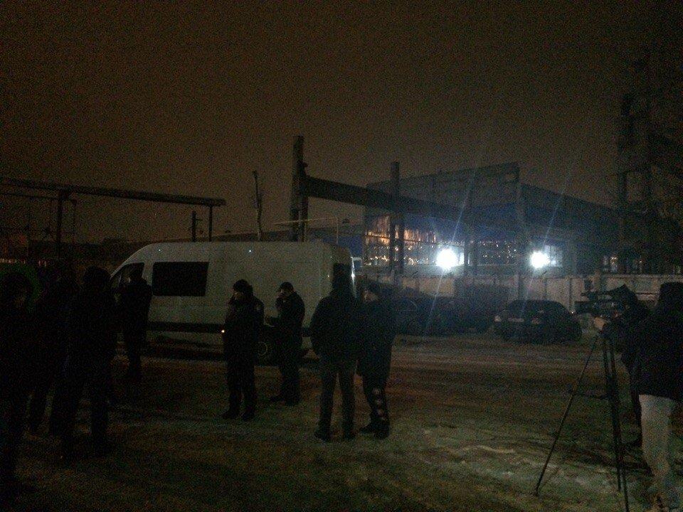 В полиции рассказали, как освобождали заложников в Каменском  во время рейдерского захвата, фото-2