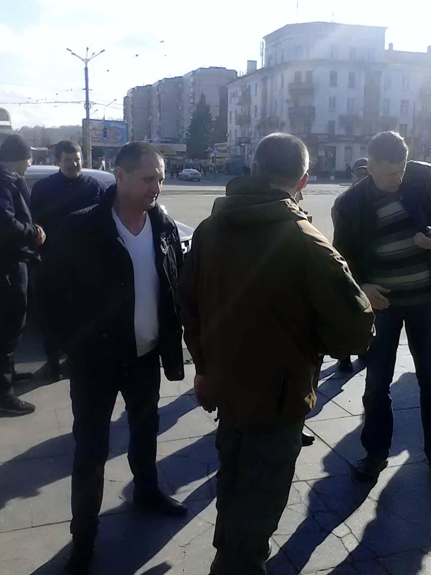 В помощь бойцам АТО: депутат из Каменского Сергей Мыршавка передал на передовую автомобиль, фото-1