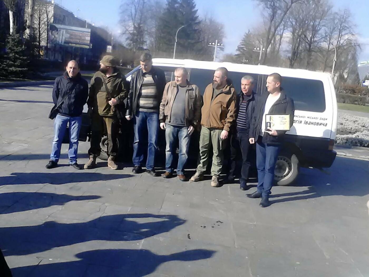 В помощь бойцам АТО: депутат из Каменского Сергей Мыршавка передал на передовую автомобиль, фото-4