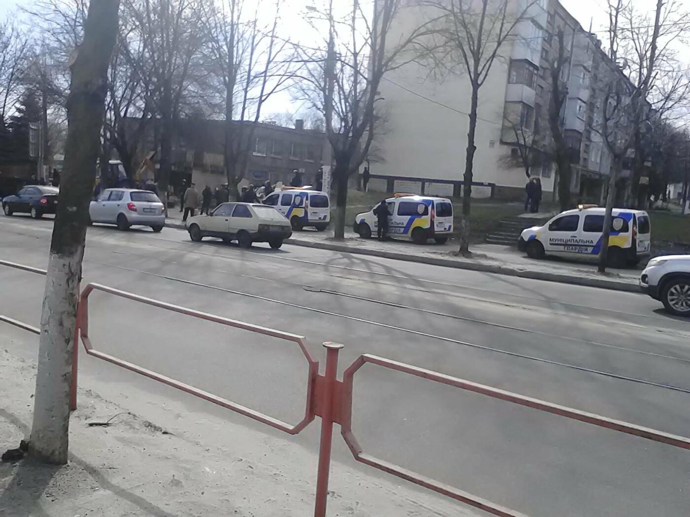В Каменском на проспекте Аношкина демонтировали МАФ, фото-8