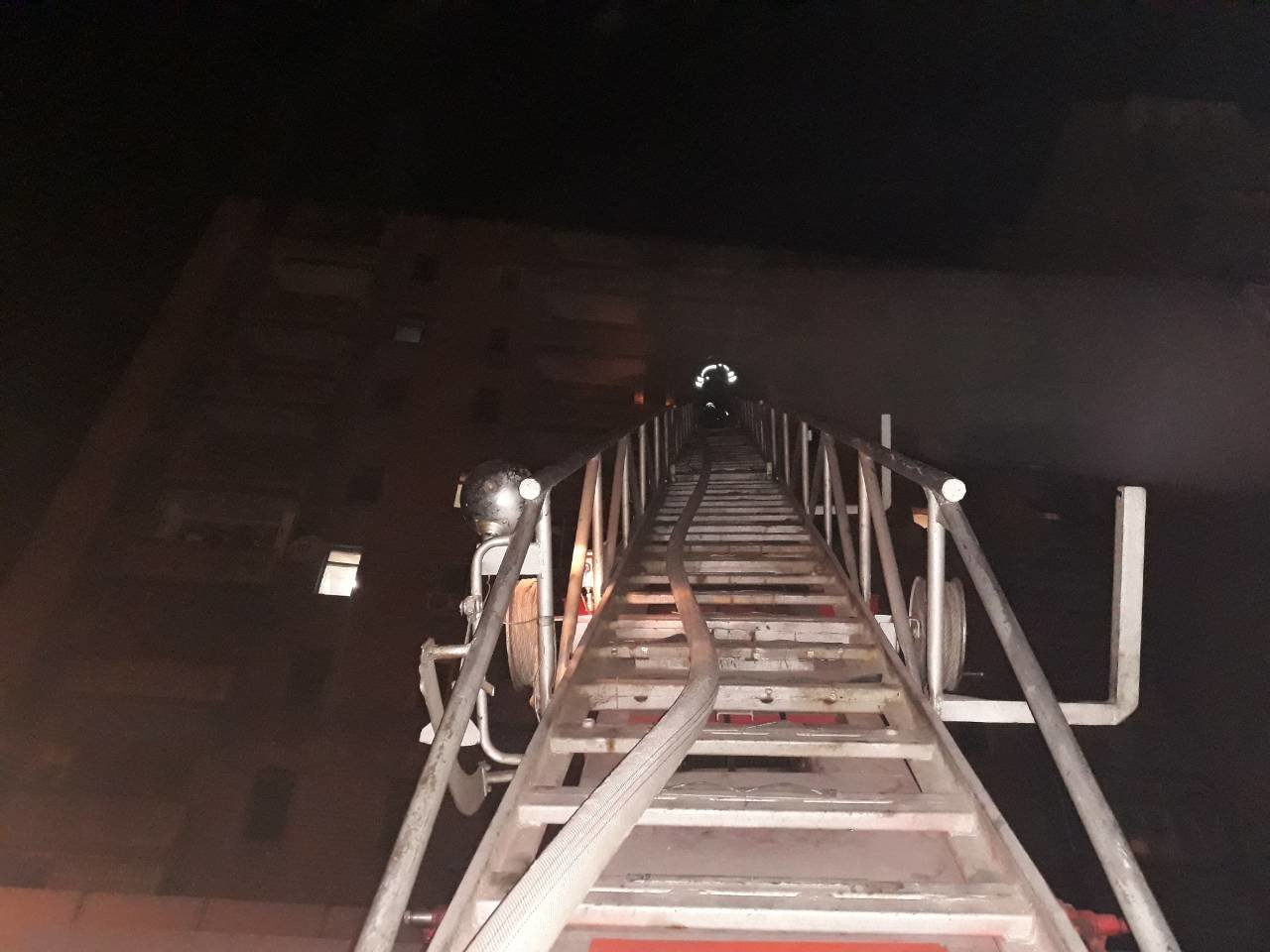Спасатели Каменского вынесли из огня двух малышей, фото-2