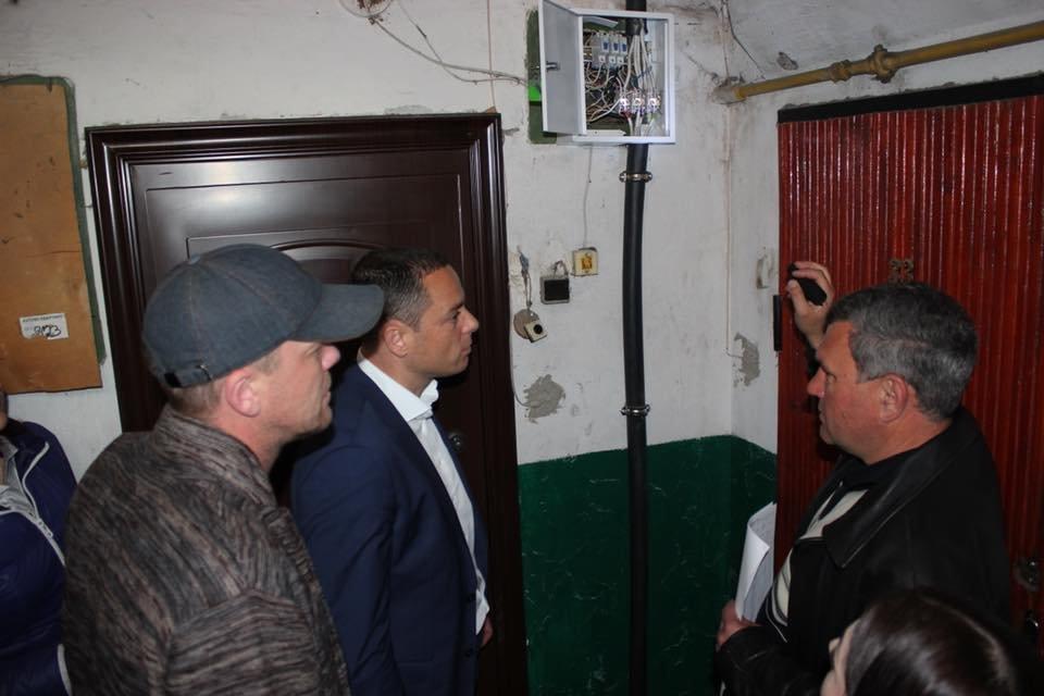 В домах Каменского стартовала замена электрокабелей, фото-2