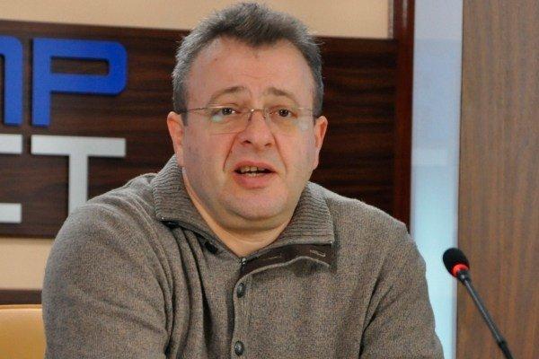 В библиотеку Каменского приедет писатель и блогер из Днепра, фото-1