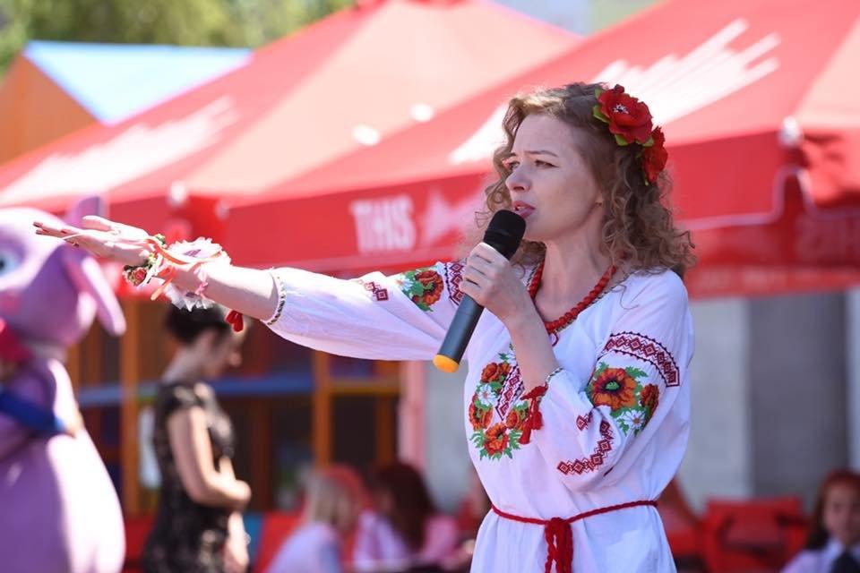 В Каменском выбрали самую красивую маму Днепровского района, фото-1