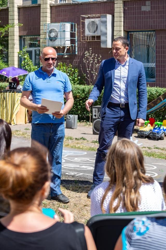 Для детей переселенцев в Каменском установили новую детскую площадку, фото-8