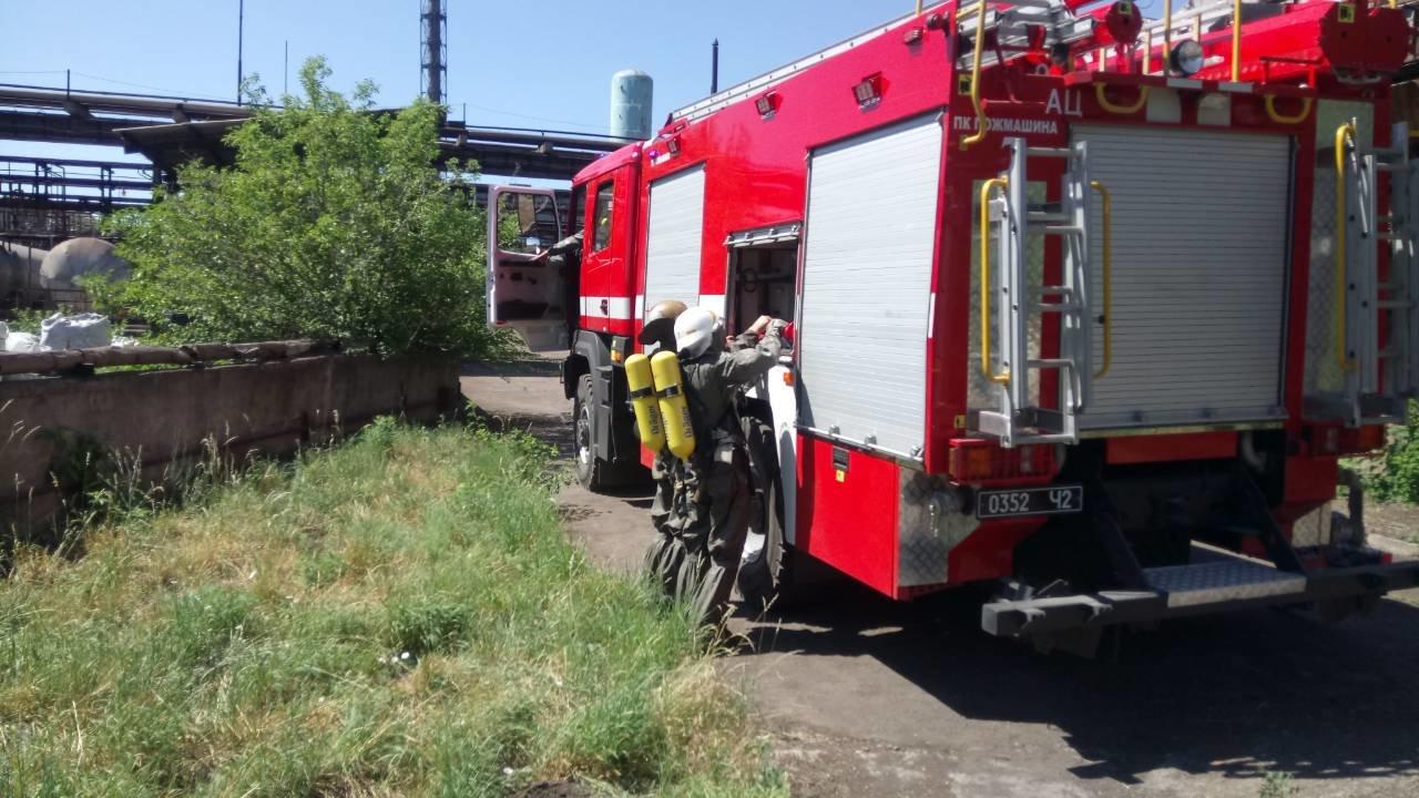 Спасатели Каменского тренировались ликвидировать аварии на Заводе минеральных удобрений, фото-1