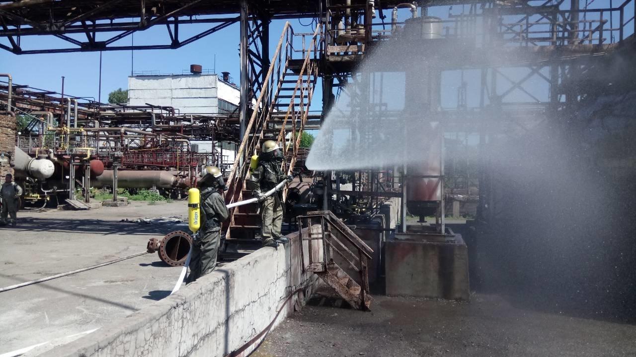 Спасатели Каменского тренировались ликвидировать аварии на Заводе минеральных удобрений, фото-3