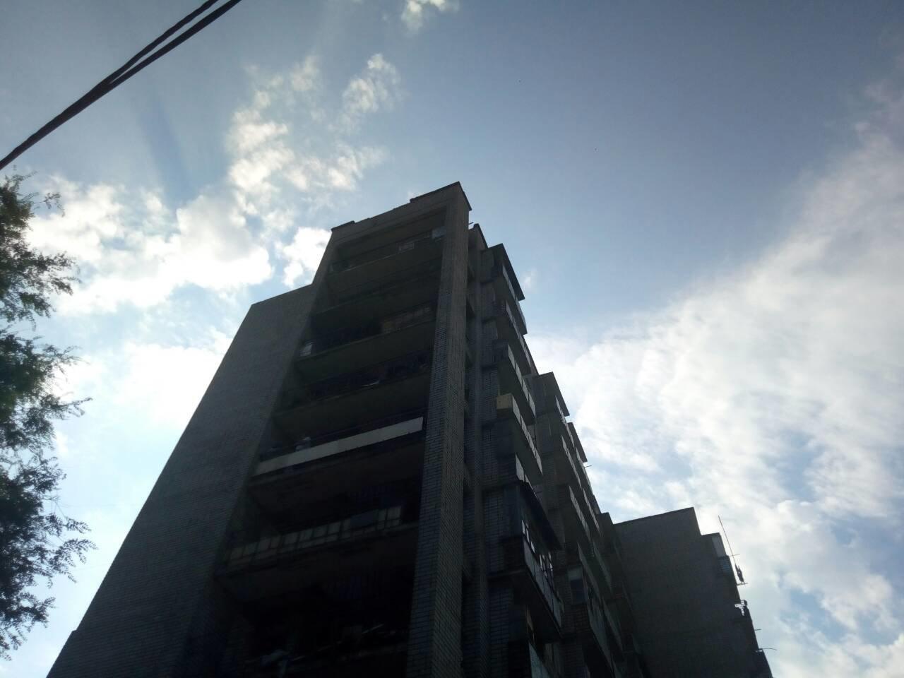Неразделенная любовь: 23-летний каменчанин собирался прыгнуть с 9 этажа, фото-1