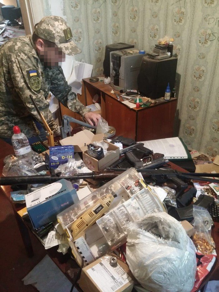 На Днепропетровщине оперативники СБУ задержали торговца оружием, фото-2