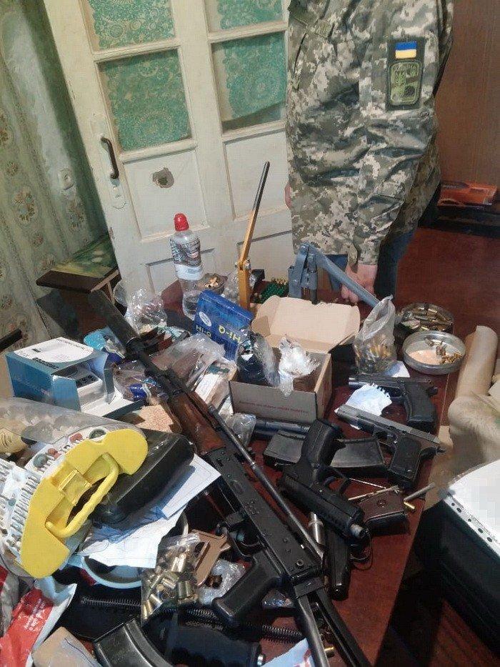 На Днепропетровщине оперативники СБУ задержали торговца оружием, фото-5