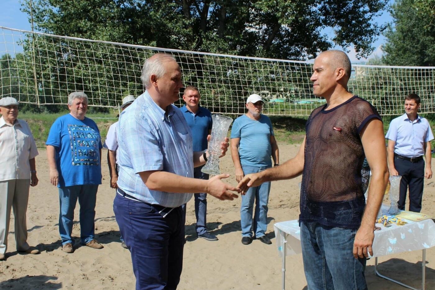 Как волейболисты Каменского праздновали День металлурга, фото-3