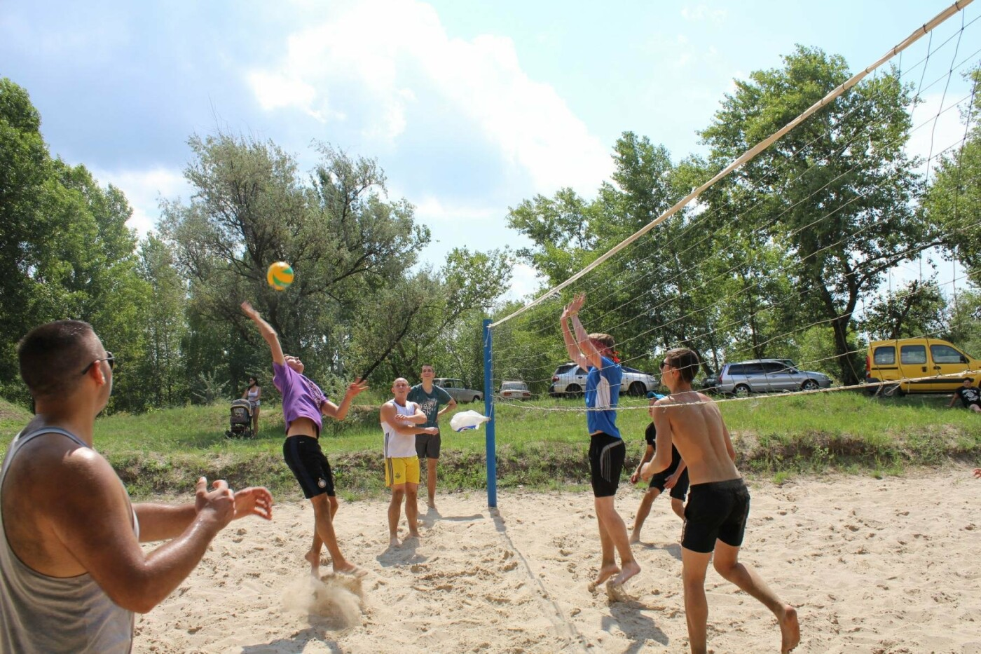Как волейболисты Каменского праздновали День металлурга, фото-6