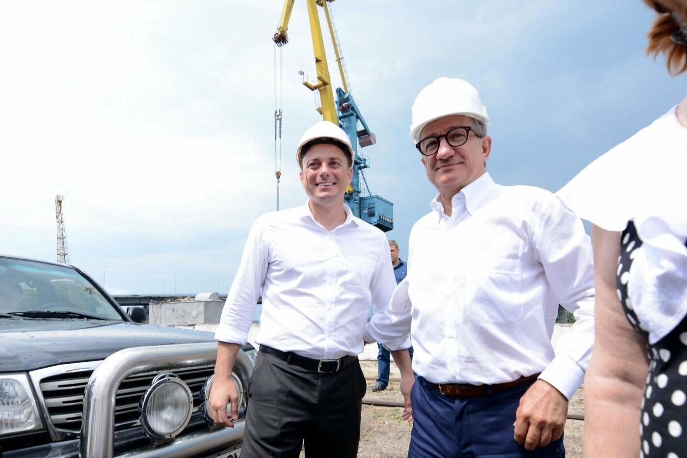 Рабочие места и судоходный транспорт: каменской речной порт возобновляет работу, фото-1