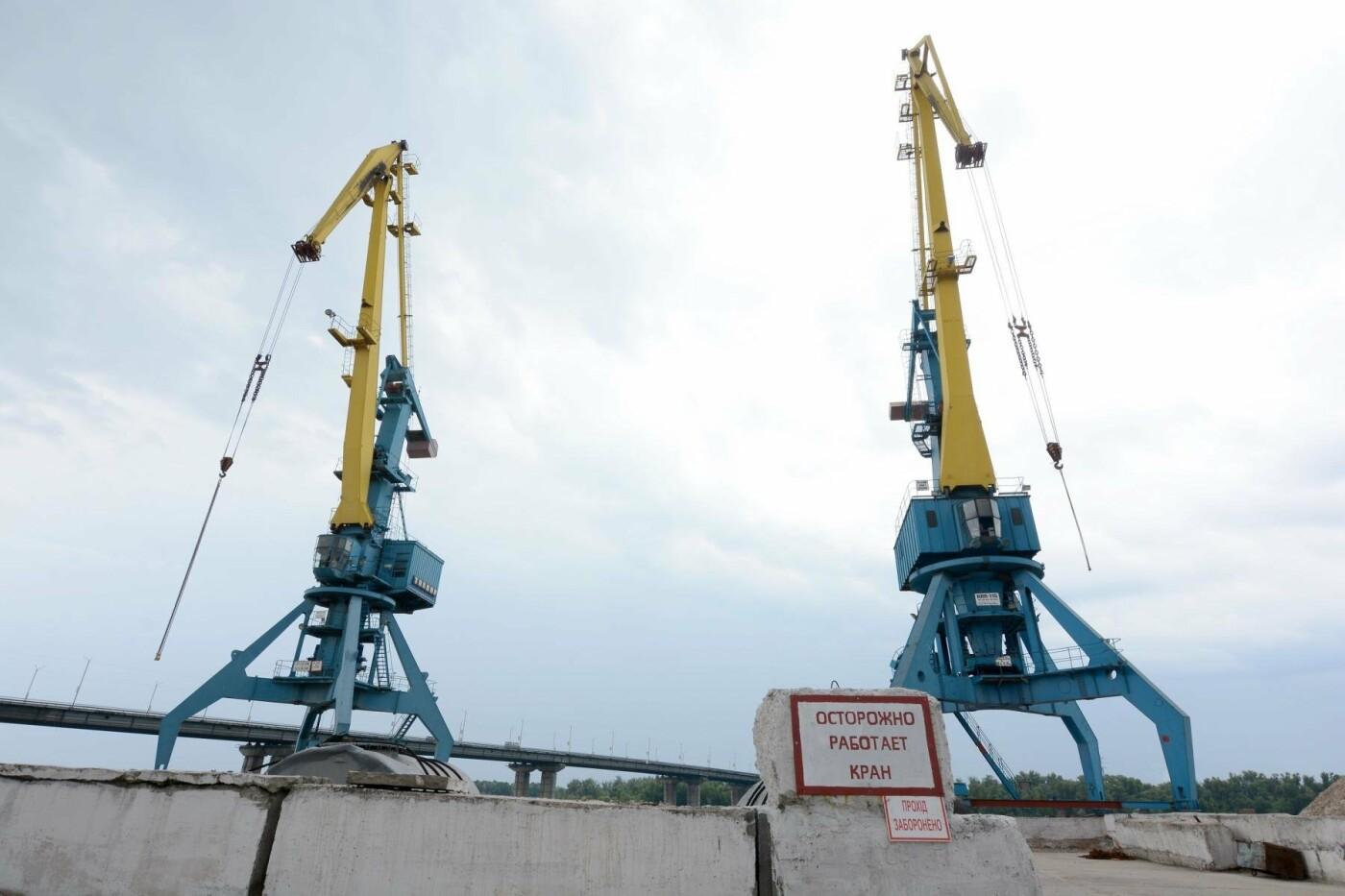 Рабочие места и судоходный транспорт: каменской речной порт возобновляет работу, фото-2