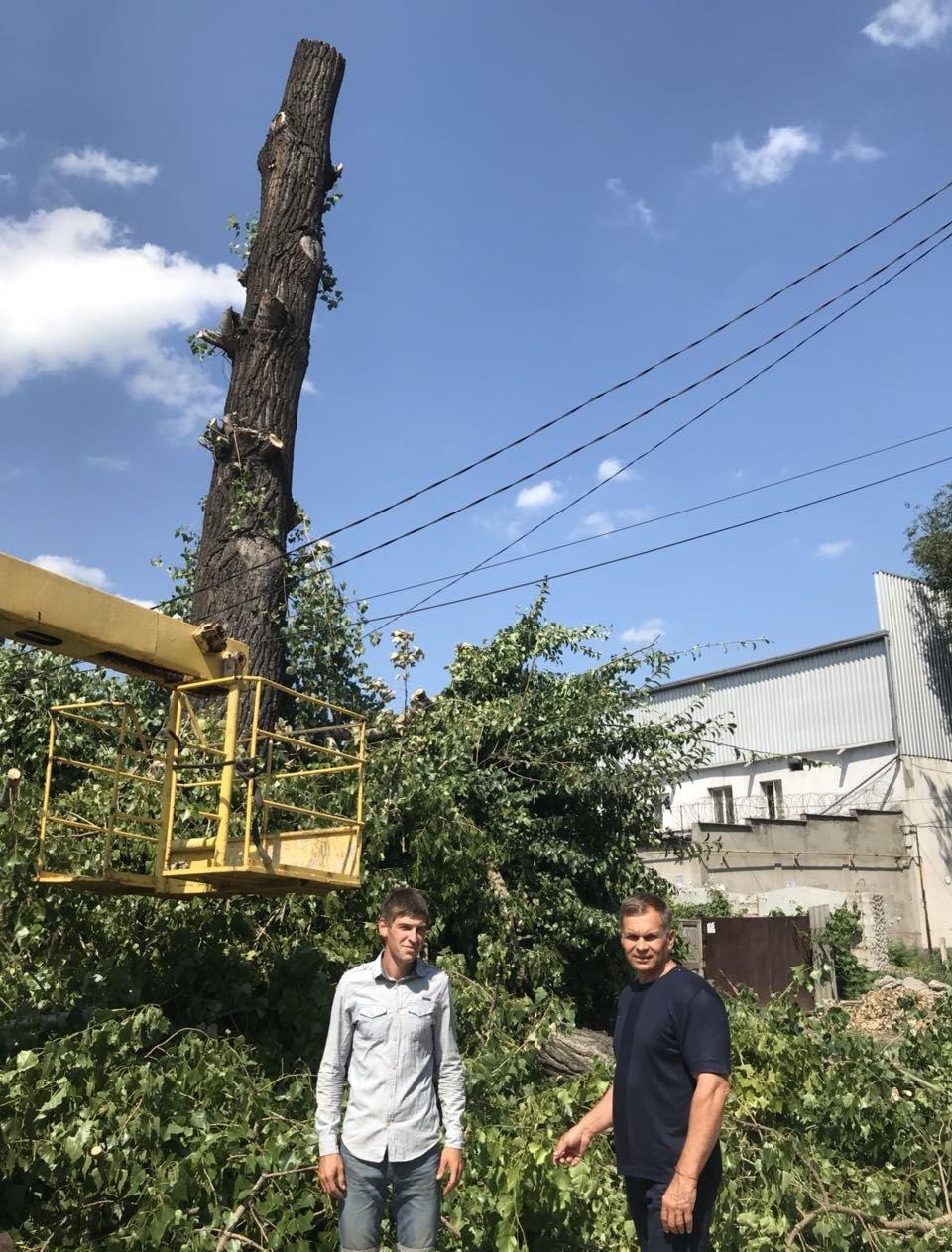В Заводском районе Каменского завершили ликвидацию последствий непогоды, фото-1