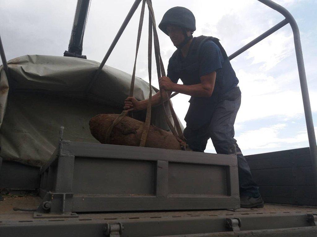 На Днепропетровщине уничтожили авиационную бомбу ФАБ-100, фото-2