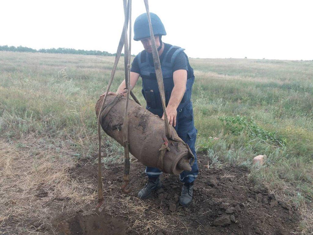 На Днепропетровщине уничтожили авиационную бомбу ФАБ-100, фото-4