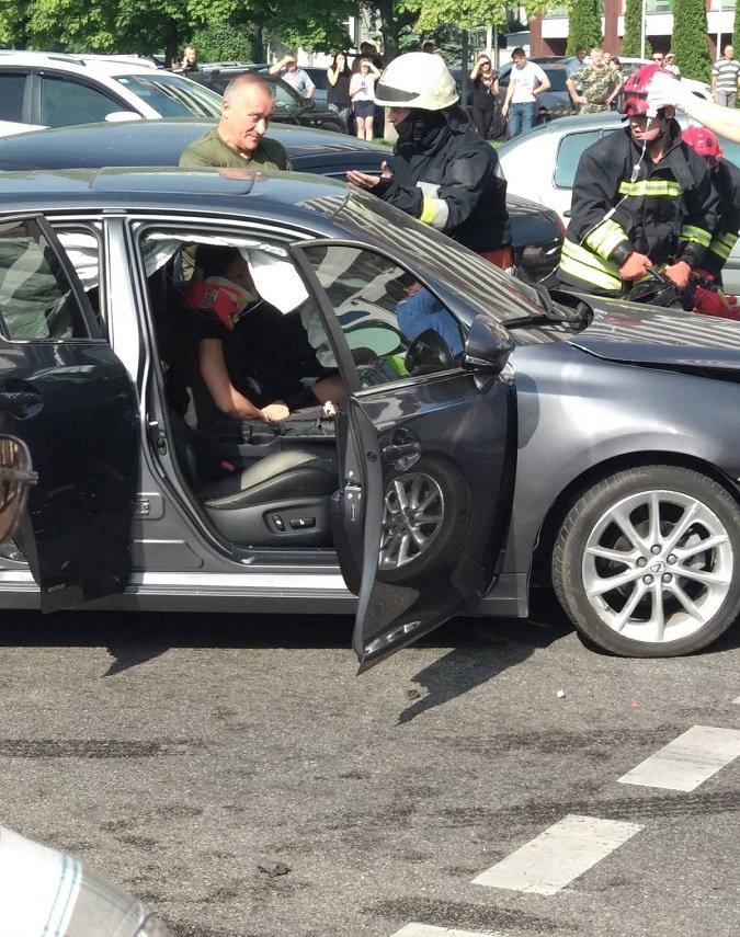 В Днепре произошло масштабное ДТП с пострадавшими, фото-3