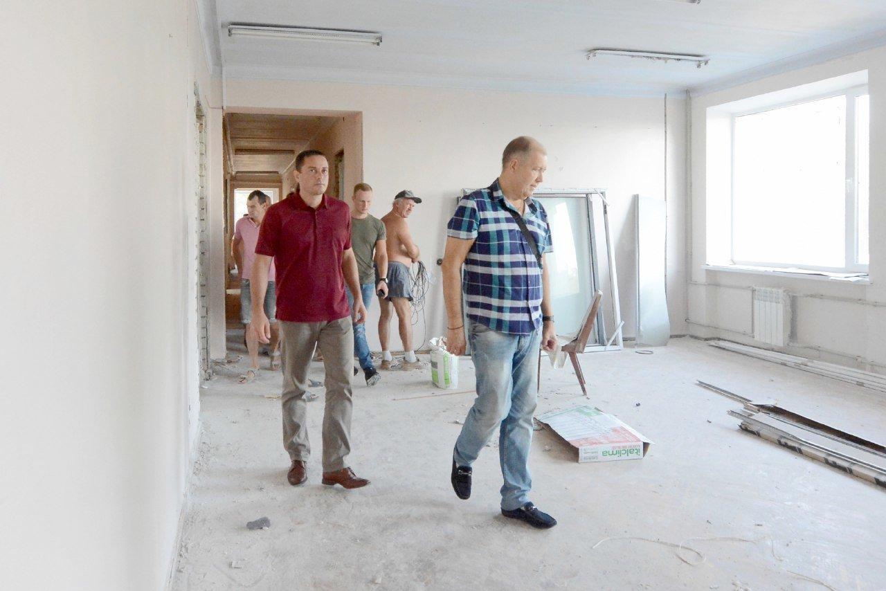 Обновленное здание и дополнительные услуги: центральный ЦПАУ Каменского готовят к открытию, фото-3