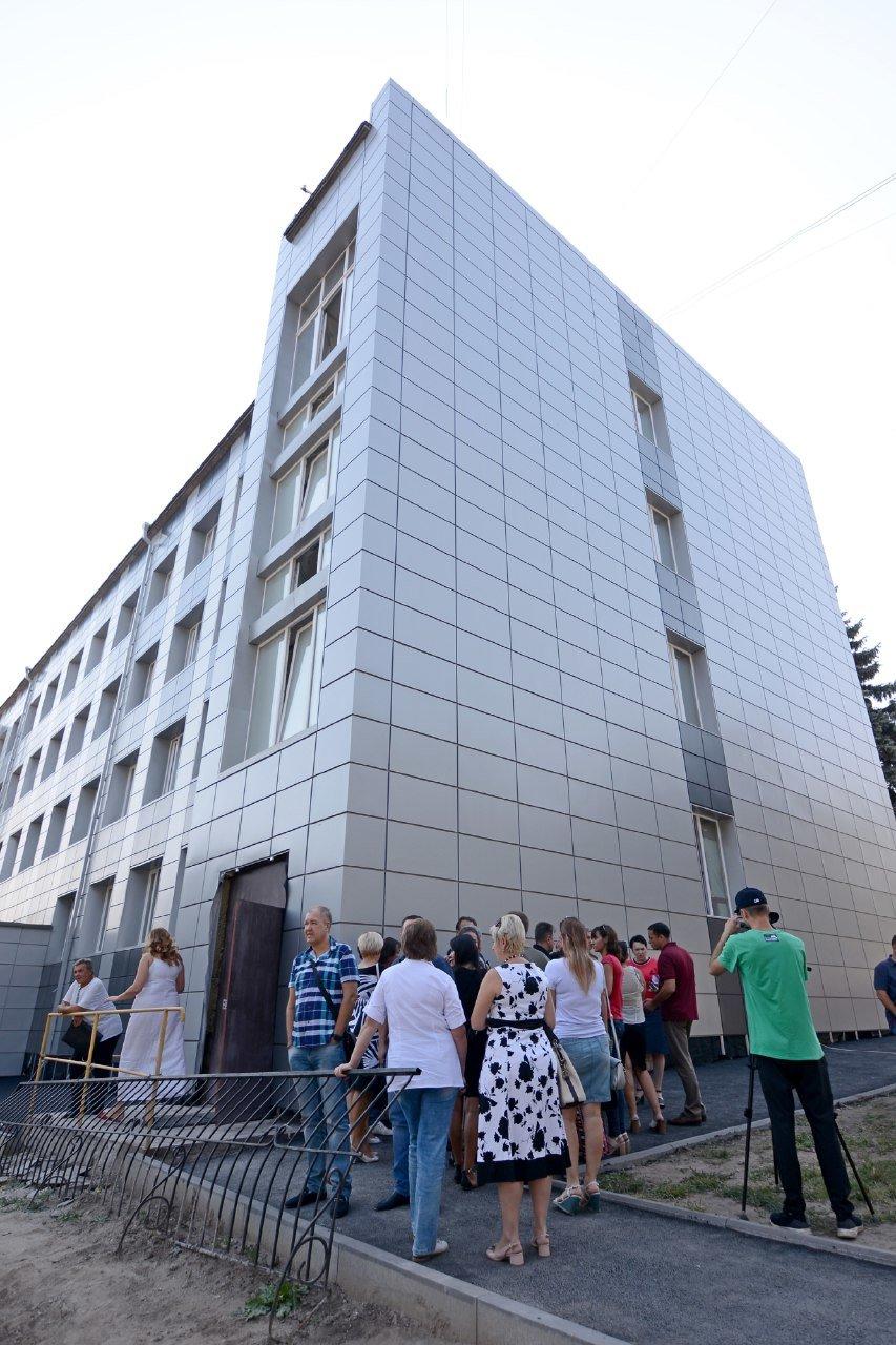Обновленное здание и дополнительные услуги: центральный ЦПАУ Каменского готовят к открытию, фото-1