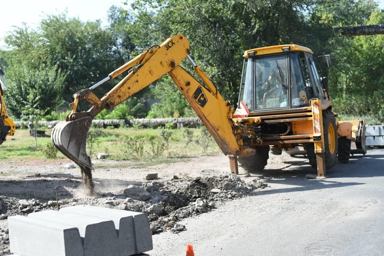 Освещение, ремонт дорог и жилого фонда: в Каменском продолжается благоустройство, фото-3