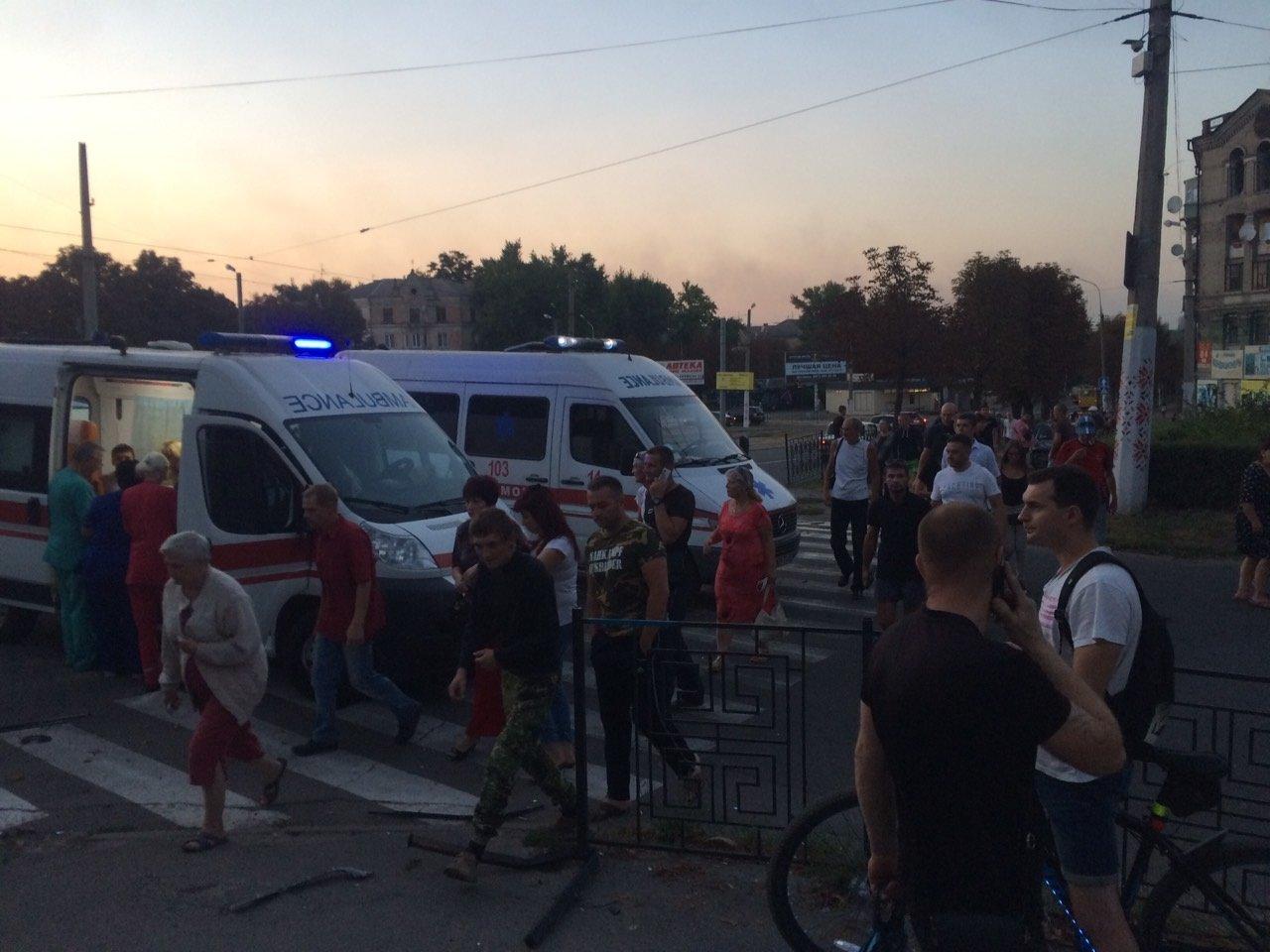 «Неадекватность» на еврономерах: в Каменском возле «Дружбы» произошло ДТП, фото-5