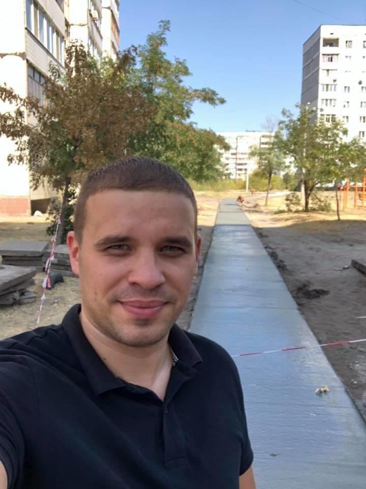 На левобережье Каменского прокладывают новые тротуарные дорожки, фото-3