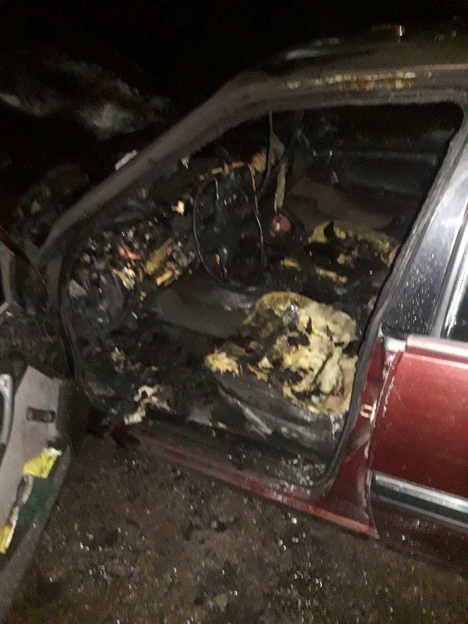 Двойной пожар «на колесах»: в Каменском тушили  Opel Omega и Opel Vectra, фото-2