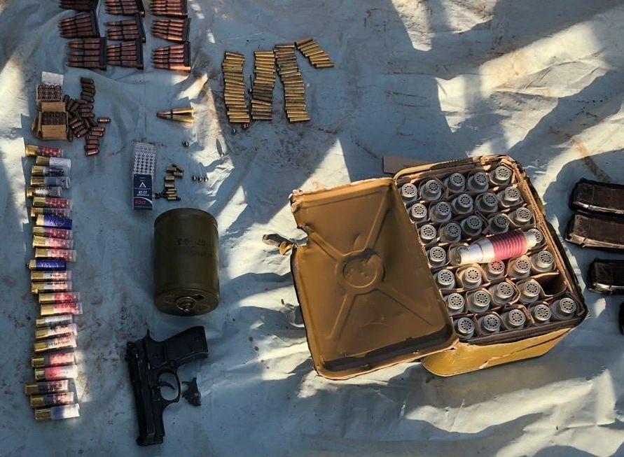 Оперативники СБУ провели обыск на Днепропетровщине: патроны, мины и гранаты, фото-5