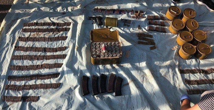 Оперативники СБУ провели обыск на Днепропетровщине: патроны, мины и гранаты, фото-6