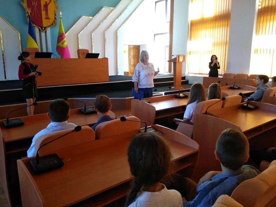 Школьников пригласили в горсовет Каменского, фото-1