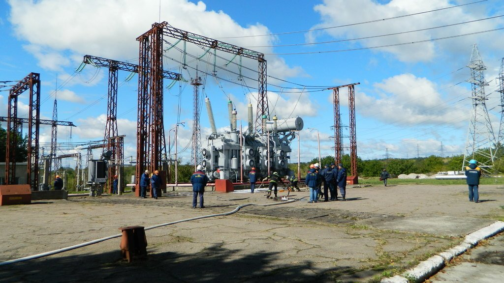 Спасатели Каменского «тушили пожар» на электроподстанции, фото-5