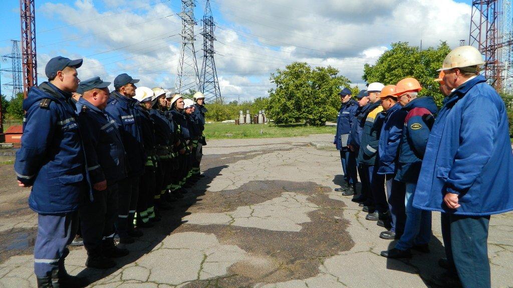 Спасатели Каменского «тушили пожар» на электроподстанции, фото-6