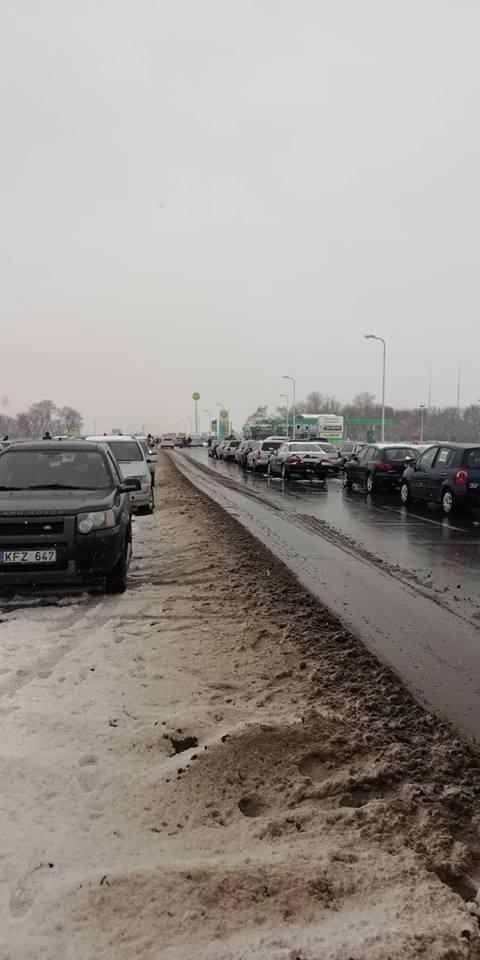 «Майдан евроблях»: под Каменским активисты перекрыли часть трассы, фото-3