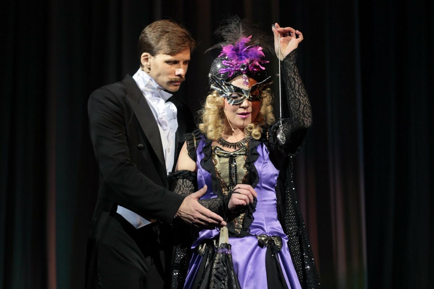 На сцену каменского театра вернулась «Летучая мышь», фото-2