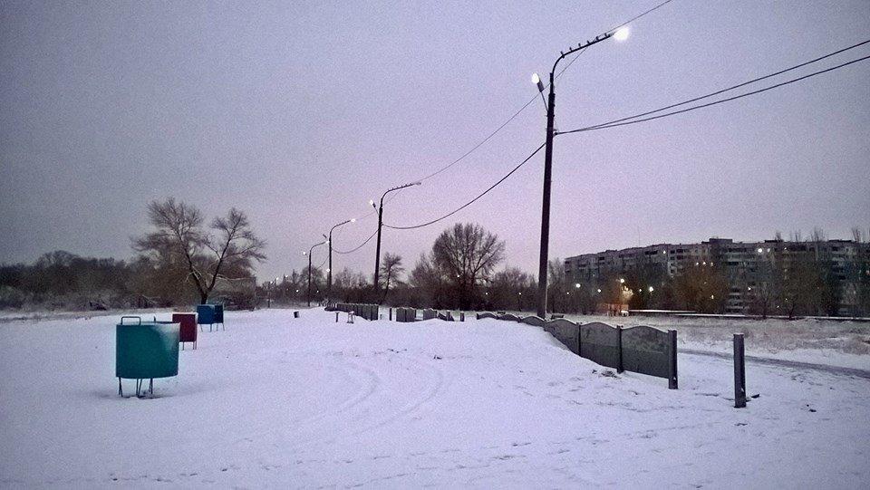 В Каменского вандалы разгромили забор и детскую площадку, фото-5