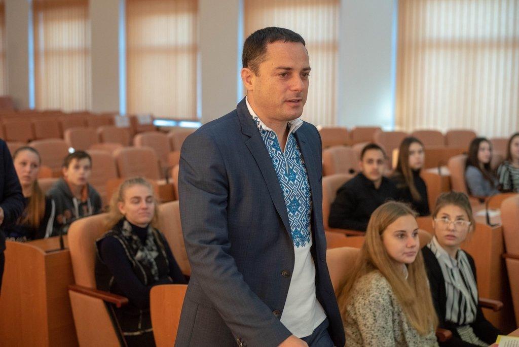 В Каменском заседали активисты Молодежного совета и мэр города, фото-3