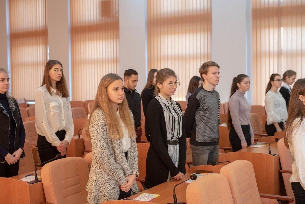 В Каменском заседали активисты Молодежного совета и мэр города, фото-4