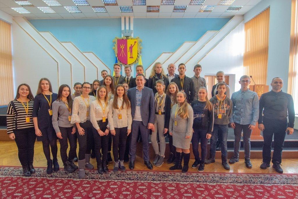 В Каменском заседали активисты Молодежного совета и мэр города, фото-6