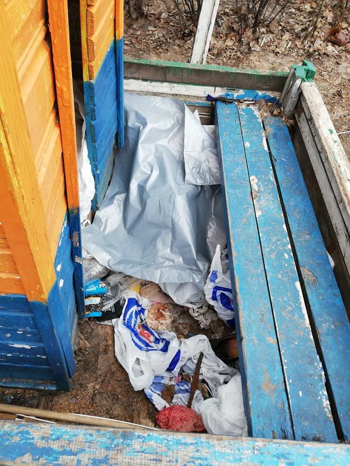 Каменчане превратили детскую площадку в мусорную свалку, фото-5