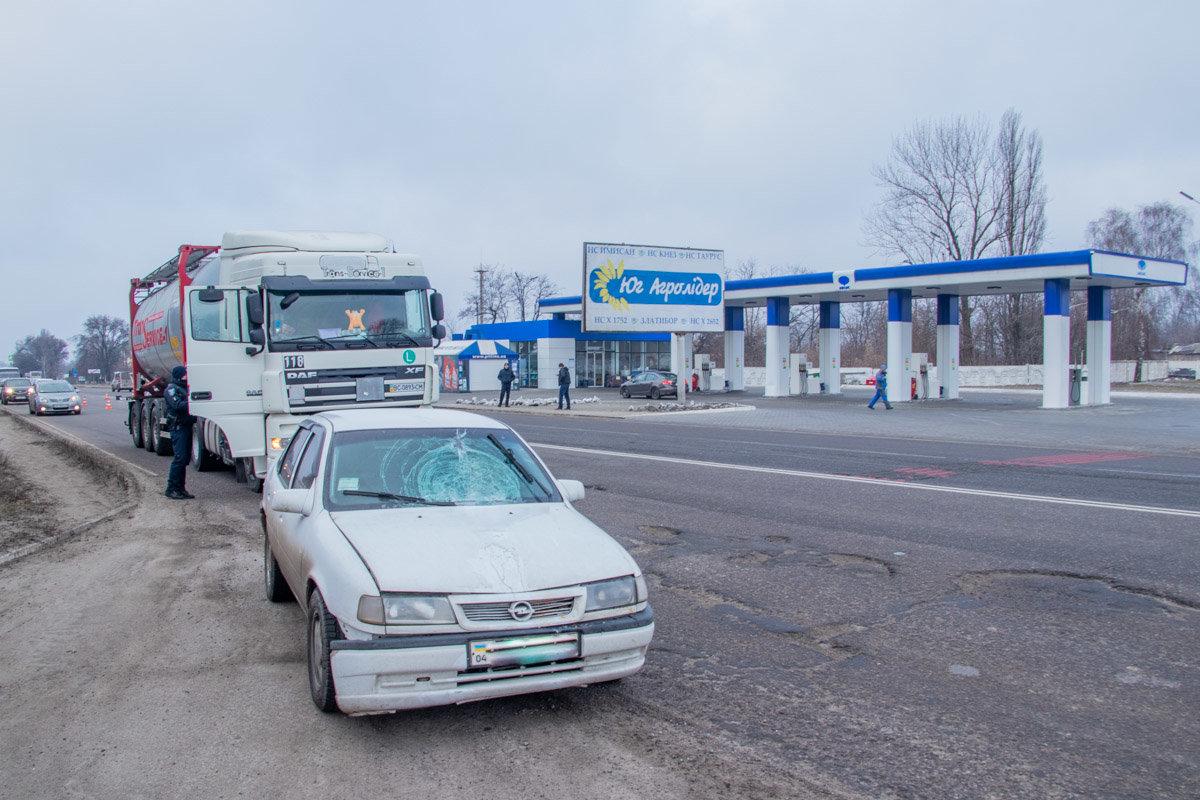 Под Каменским Opel сбил женщину на пешеходном переходе, фото-1