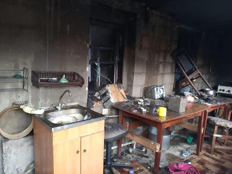 Поступок, достойный уважения: спасатели поблагодарили каменчанина, который спас из огня детей , фото-1
