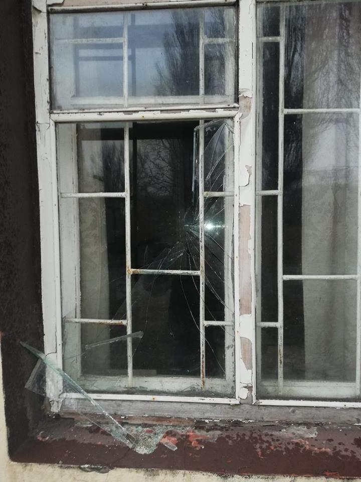 Нетрезвый каменчанин разбил окно «Горводоканала», фото-7